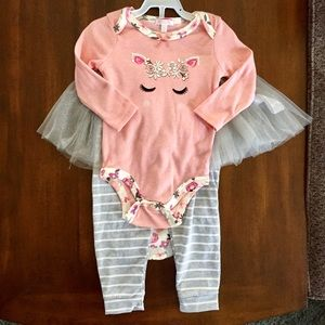 Tahari baby 4 piece set. Sparkly tulle. Floral